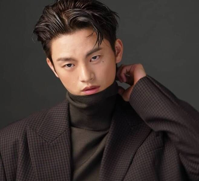 Seo In-Guk: 5 Things You Need To Know About The 'Doom At Your Service' Actor