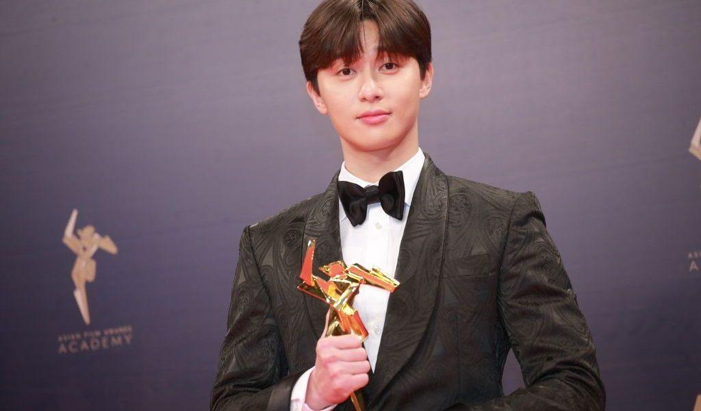 HONG KONG, CHINA - MARCH 17: South Korean actor Park Seo-joon poses backstage during the 13th Asian Film Awards on March 17, 2019 in Hong Kong, China. (Photo by Visual China Group via Getty Images/Visual China Group via Getty Images)